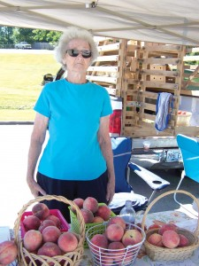 Peggy Spencer has been a Farmers Market member for several years. Her white peaches are sought after by customers across the county. Peggy and her husband Bill have grown delicious fruit (apples, peaches and grapes) for several years.